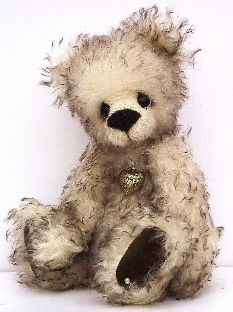 Visit our online store for collectible teddy bears, Charlie Bears and Kaycee Bears.